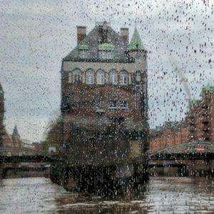 Hamburg Regen Speicherstadt Moin