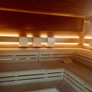 Sauna Schwitzen heiss