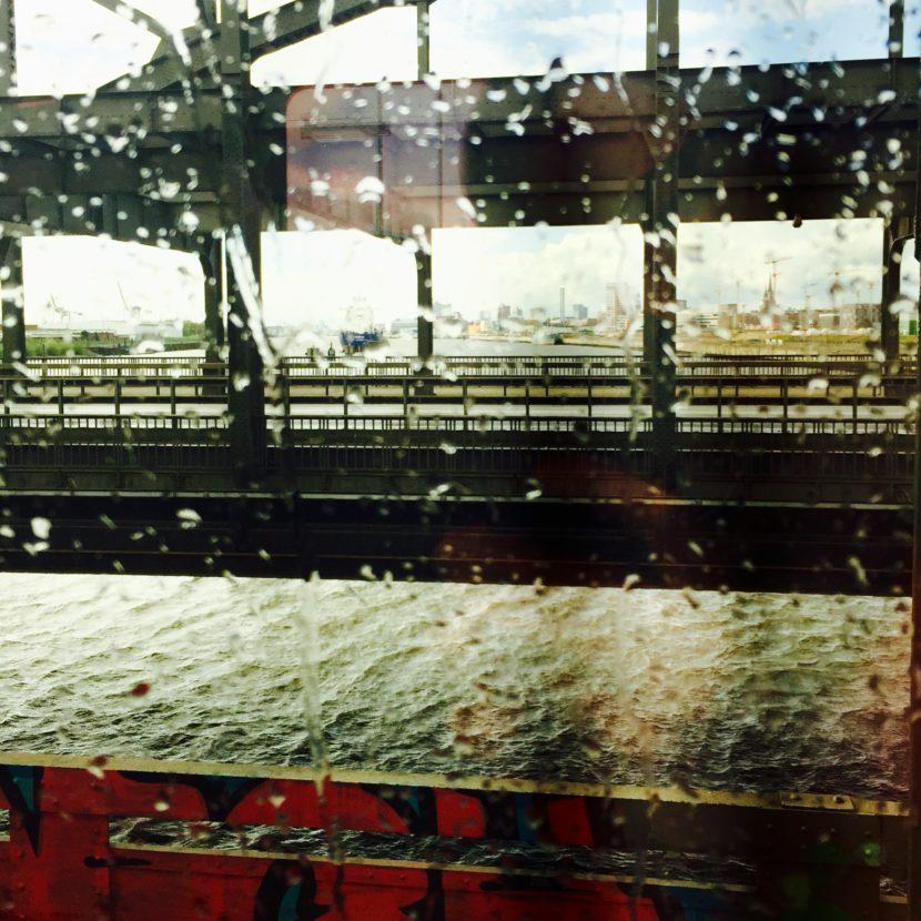 Deutsche Bahn Zug Brücke Gleise