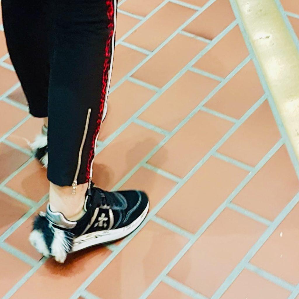 Mode Kleidung Schuhe mit Fellpüschel