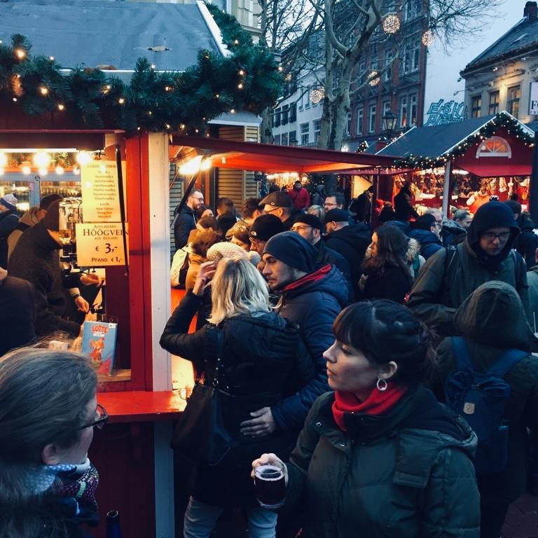 Weihnachtsmarkt Advent Glühwein