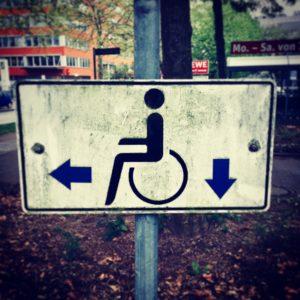 Sichtbehindert Behinderung Behindertenparkplatz Rollstuhl Schild Vorurteile