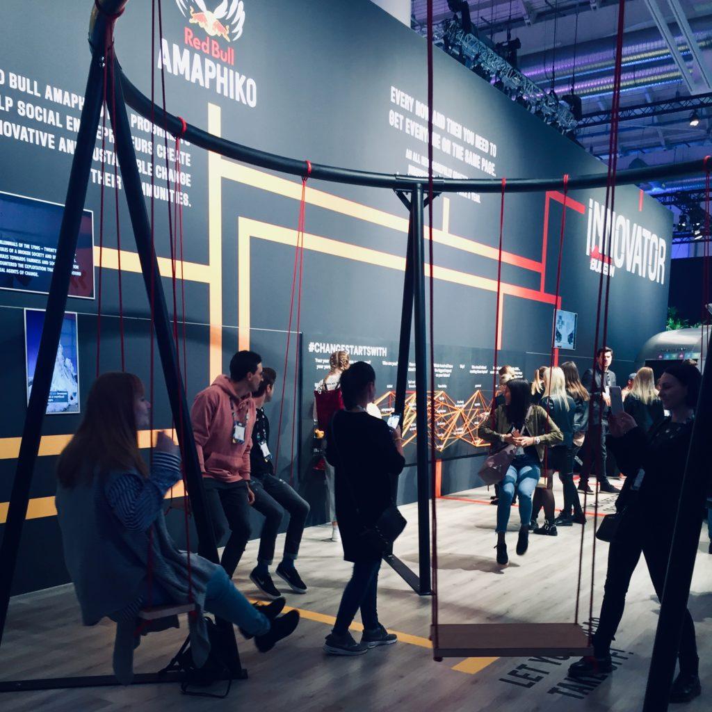 OMR 2019 Hamburg Online Marketing Rockstars Schaukel