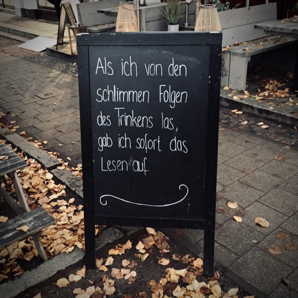 Nüchtern Alkohol Alkoholkonsum Bier Wein Schnaps Trinken Rausch Schild