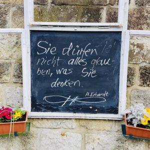 Corona Heinz Erhardt Denken Wortspiel Schellenaffe Schiefertafel