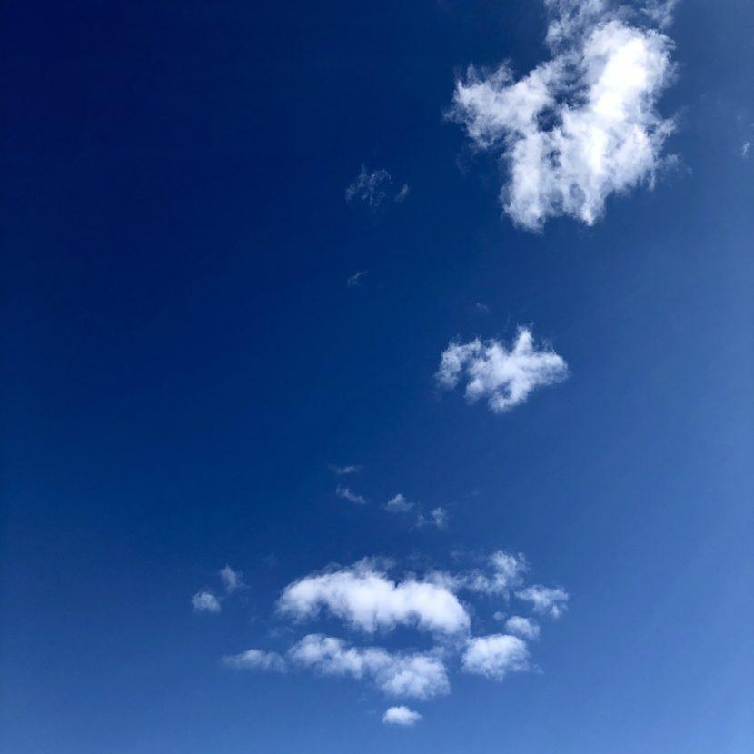 unendliches blau Himmel Wolken blauer Himmel