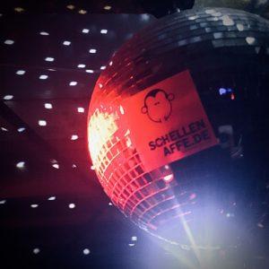Ausnahmeregel Corona Schellenaffe Disco Discokugel Party