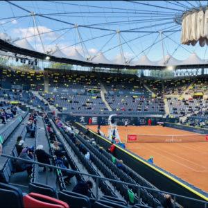 Empty seat leere Ränge Stadion Besucher